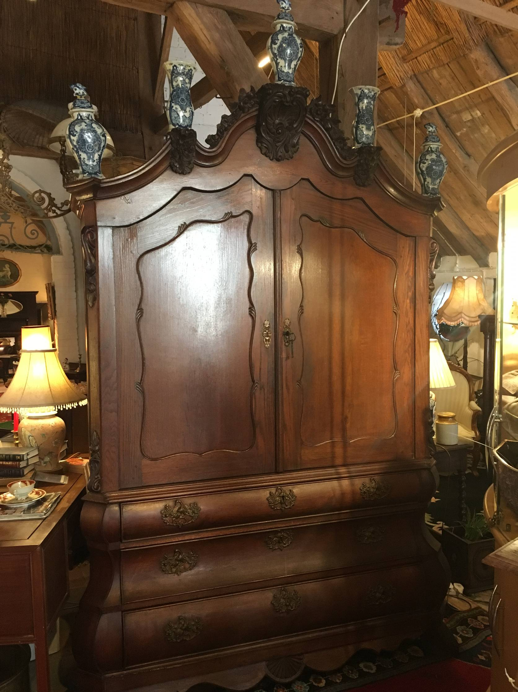 Dutch Cabinet with Vases €1200